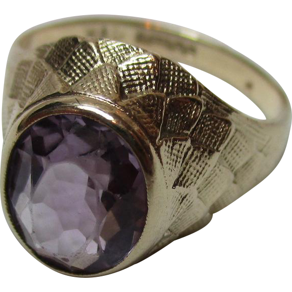 Decorative Vintage{Birmingham 1972} 9ct Solid Gold Amethyst Solitaire Gemstone Ring{4.1 Grams}