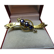 Pretty Victorian{Birmingham 1899} 9ct Gold 3-Stone Blue Gemstone Bar Brooch
