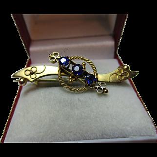 Pretty Victorian{Birmingham 1899} 9ct Gold 3-Stone Blue Gemstone Bar Brooch