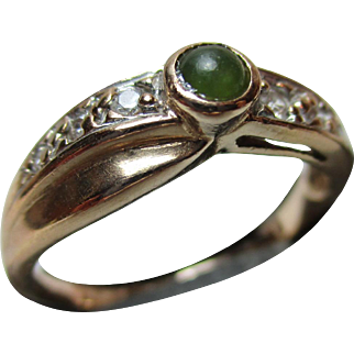 Attractive 14ct Solid Rose 'Jadeite' + Cubic Zirconia Gemstone Ring{2.9 Grams}