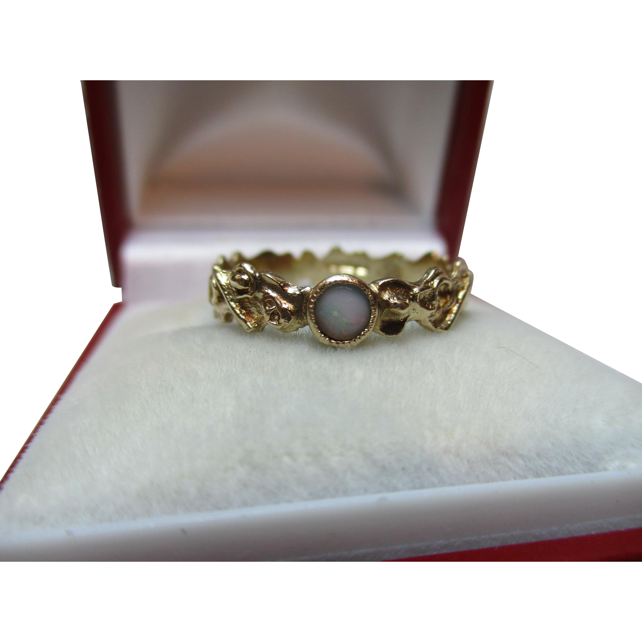 'Scalloped' Vintage{Birmingham 1977} 9ct Solid Gold Opal Solitaire Gemstone Ring