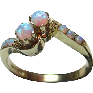 Pretty Vintage 9ct Solid Gold 8-Stone Opal Gemstone Twist Ring