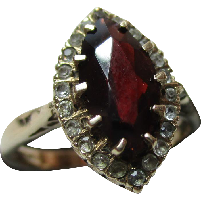 Pretty Vintage{London 1965} 9ct Solid Gold 'Marquise Shaped' Garnet + Cubic Zirconia Gemstone Ring{3.3 Grams}