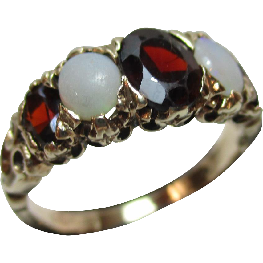 Attractive Antique 9ct Solid Gold 5-Stone Opal + Garnet Gemstone Ring{3.3 Grams}