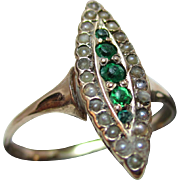Pretty Antique 15ct Solid Gold, 'Marquise Shaped' Green Stone + Split Seed-Pearl Gemstone Ring
