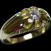 Decorative Vintage{London 1987} 18ct Solid Gold Diamond Solitaire Gemstone Ring{4.3 Grams}{0.22Ct Diamond Wt}