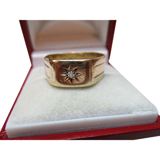Gents'{London 1931} 9ct Solid Gold Diamond Gemstone Solitaire 'Signet' Ring{4.0 Grams}