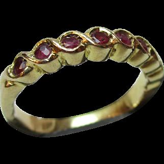 Pretty Vintage 18ct Solid Gold 8-Stone Ruby Gemstone 'Half Eternity' Ring{2.6 Grams}
