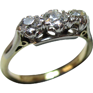 Pretty 18ct Solid Gold 3-Stone Diamond Gemstone 'Trilogy' Ring{0.45Ct Diamond Weight}