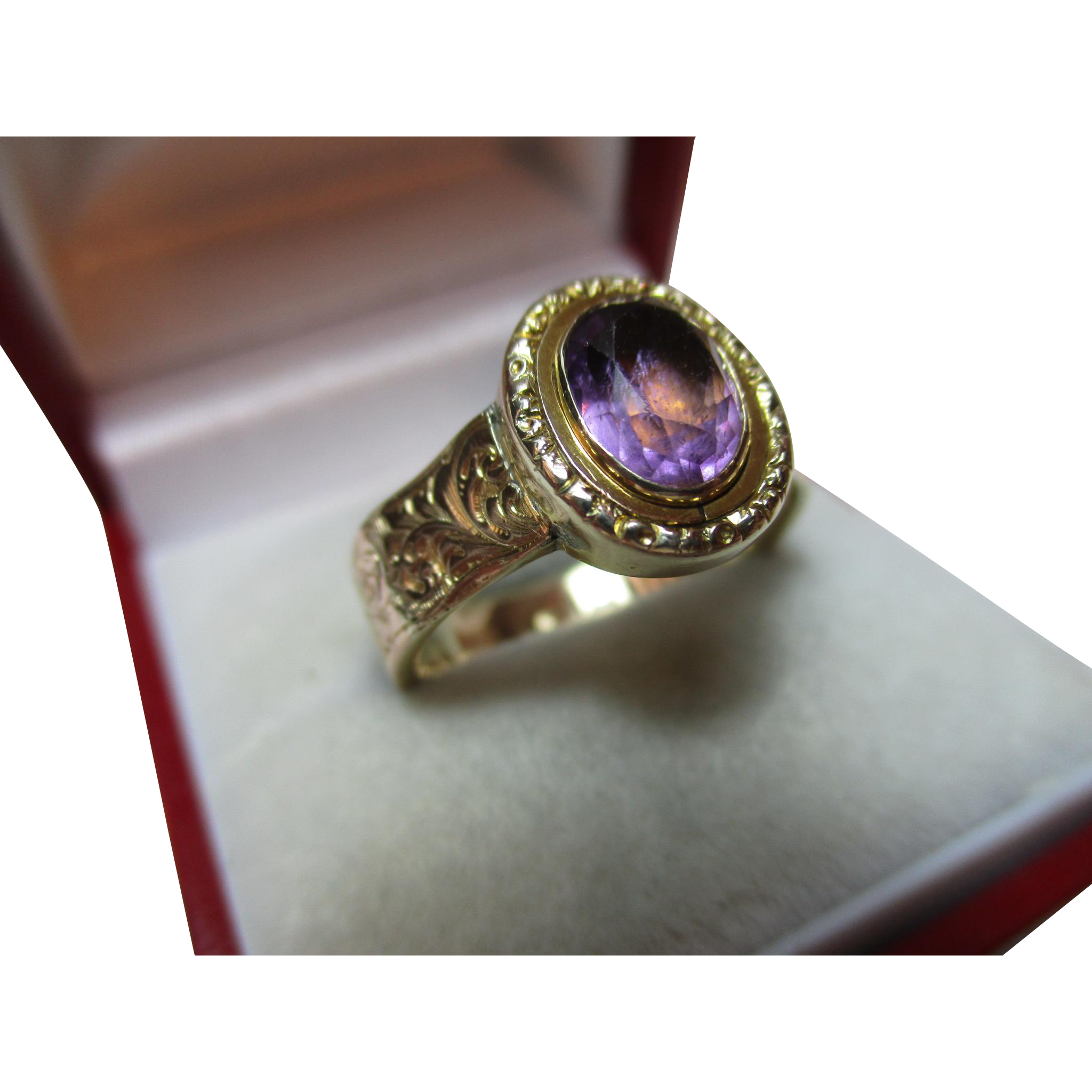 Delightful Antique 9ct Gold Amethyst Gemstone Ring{3.9 Grams}