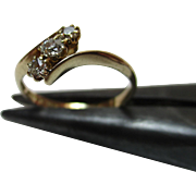 Quality Edwardian{Birmingham 1909} 18ct Solid Gold 3-Stone Diamond Gemstone 'Crossover' Ring{0.25Ct Diamond Weight}