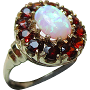 Pretty Vintage 9ct Solid Gold Opal + Garnet Gemstone Cluster Ring{3.1 Grams}
