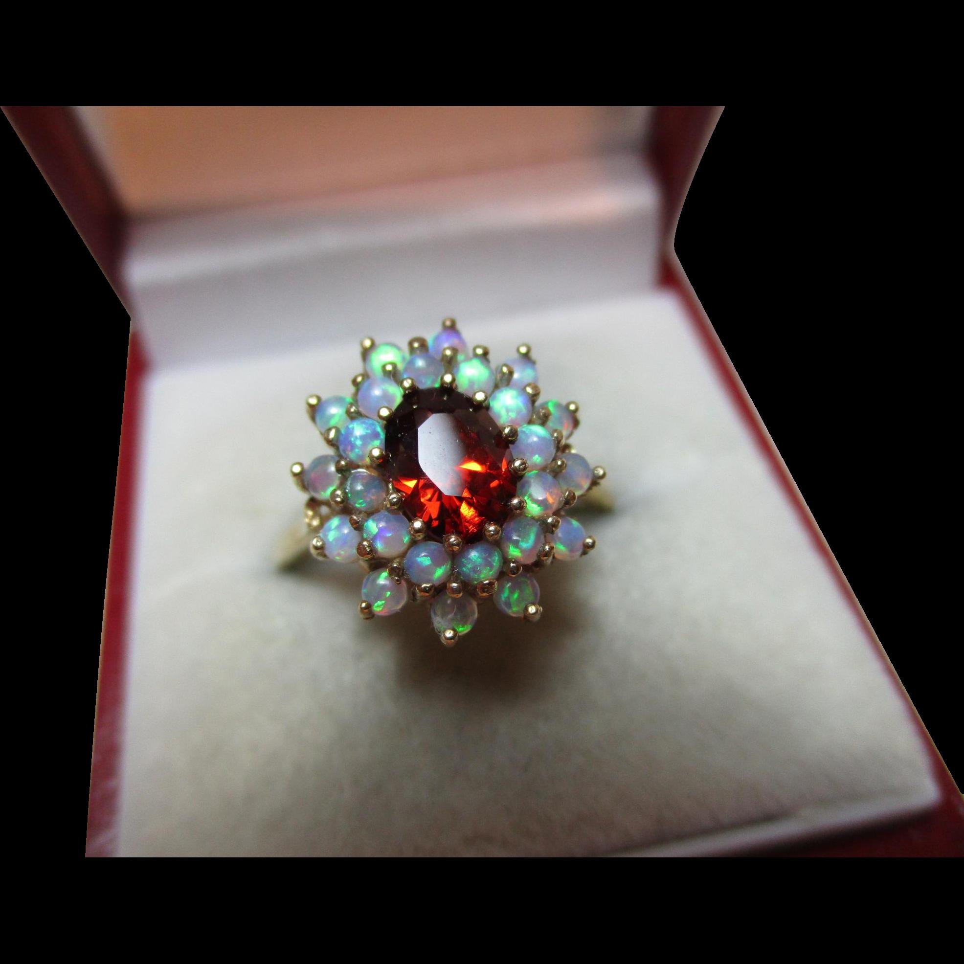 Pretty Vintage 9ct Solid Gold Opal + Garnet Gemstone Cluster Ring{3.4 Grams}
