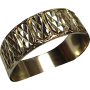 Exquisite Vintage{London 1986} 9ct Solid Gold 'Engraved' Wedding Band Ring{3.1 Grams}