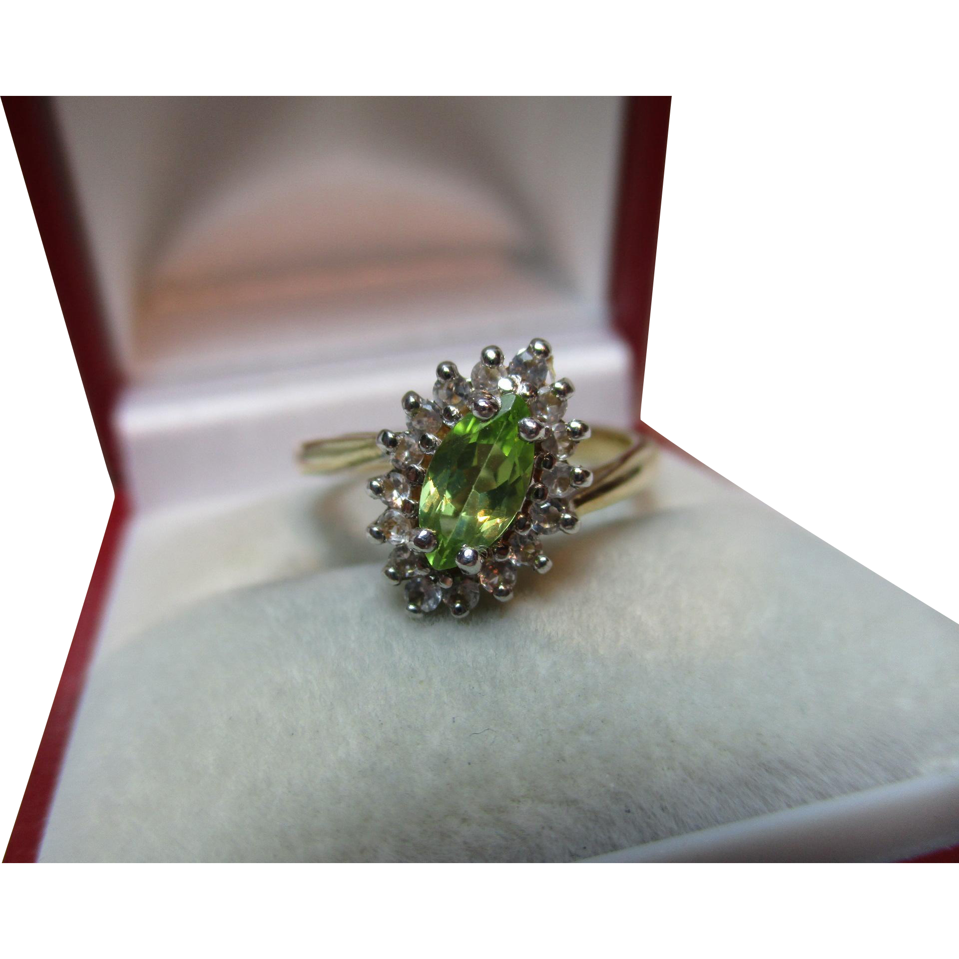 Lovely Vintage 9ct Solid Gold 'Marquise Shaped' Peridot + Cubic Zirconia Gemstone Ring