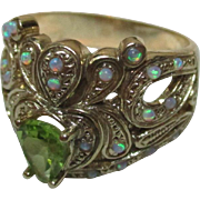 Delightful Vintage 9ct Solid Gold 'Crown Shaped' Opal + Peridot Gemstone Ring{7.1 Grams}