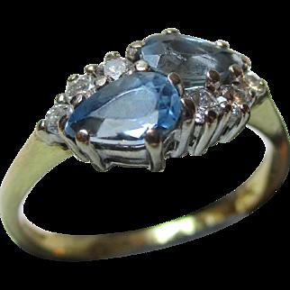 Pretty 18ct Solid Gold Diamond + Blue Topaz Gemstone Cluster Ring{0.25Ct Diamond Weight}