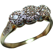 Attractive 18ct Solid Gold 5-Stone Diamond Ring{0.15ct Diamond Weight}