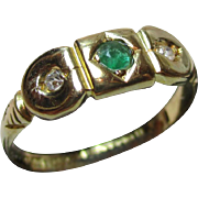 Ornate Antique 18ct Solid Gold 3-Stone Diamond + Emerald Gemstone Ring