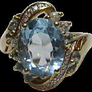 Delightful Vintage 9ct Solid Gold Diamond + Blue Topaz Gemstone Cluster Ring{4.2 Grams}