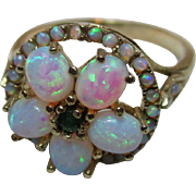 Pretty Vintage 9ct Solid Gold Emerald + Opal Gemstone Cluster Ring{3.2 Grams}