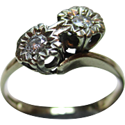 Attractive Vintage 9ct Solid Gold 2-Stone Diamond Gemstone 'Crossover' Ring{0.15Ct Diamond Weight}