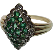 Attractive Vintage 9ct Solid Gold 'Lozenge Shaped' Diamond + Emerald Gemstone Cluster Ring{3.8 Grams}