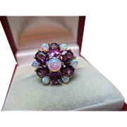 Attractive Vintage 9ct Solid Gold Opal + Amethyst Gemstone Cluster Ring