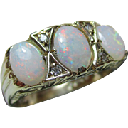 Exquisite Vintage 9ct Solid Gold 7-Stone Diamond + Opal Gemstone