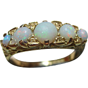 Attractive Vintage 18ct Solid Gold 5-Stone Opal Gemstone Ring{4.0 Grams}