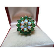 Delightful Vintage 9ct Solid Gold Emerald + Opal Gemstone Cluster Ring{4.8 Grams}{1.6Ct Emerald Weight}