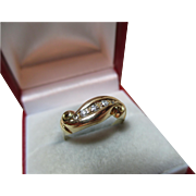 Decorative Antique 18ct Solid Gold 5-stone Diamond Gemstone Twist Ring