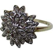 Pretty Vintage 9ct Solid Gold 'Star Shaped' Diamond Gemstone Cluster Ring