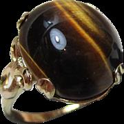 Decorative Vintage 10ct Solid Gold 'Cushion Shaped' Tiger's Eye Gemstone Ring{4.2 Grams}