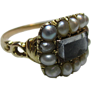 Quality Georgian 18ct Solid Gold Split Seed-Pearl Gemstone 'Memorial' Ring{3.9 Grams}