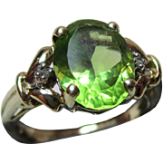 Attractive Vintage 9ct Solid Gold 3-Stone  Diamond + Peridot Gemstone Ring