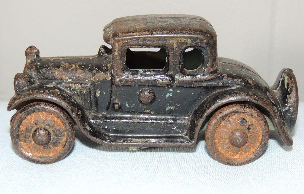 Arcade Cast Iron Toy Coupe Car
