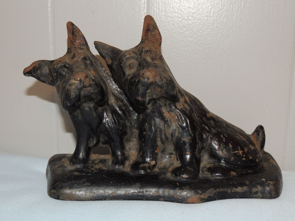 Hubley cast iron doorstop scotty scottish terrier dogs from conjunktionjunktionantiques on ruby lane - Cast iron dog doorstop ...