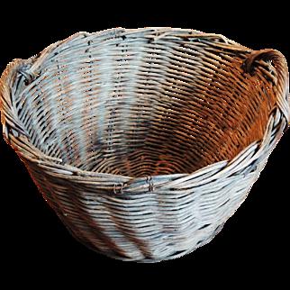 Lg Twig Woven Handled Round Basket