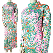 1970's Vintage Floral Print Crepe Maxi Dress