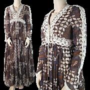 Vintage 1970's Floral Print Gunne Sax Peasant Dress With Crocheted Trim