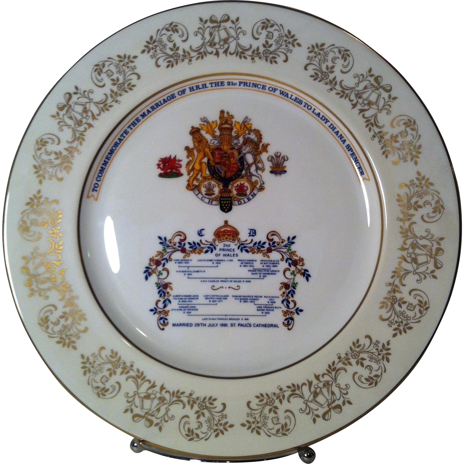 Aynsley Commemorative Charles & Diana Marriage Plate