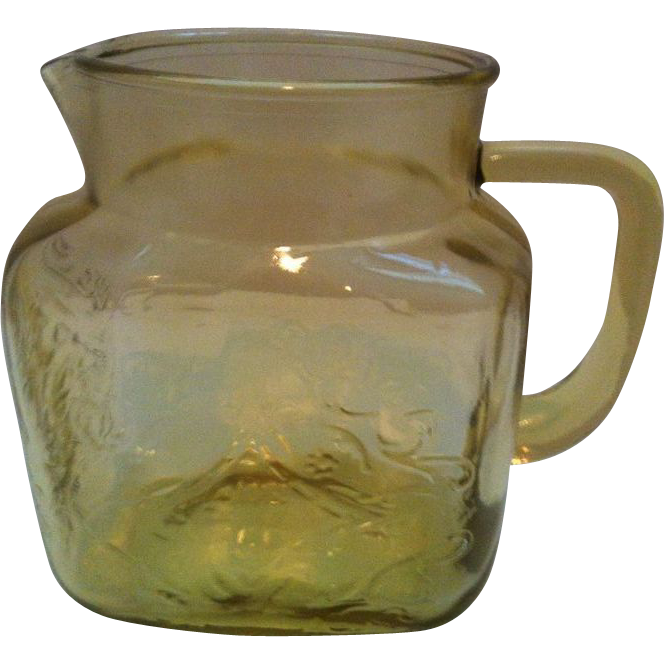 Federal Madrid Amber 36 ounce Pitcher