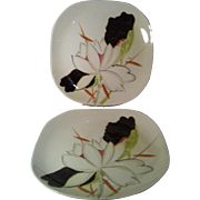 2 Redwing Lotus Dinner Plates