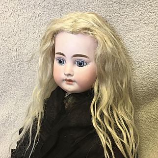 Antique pale mohair wig