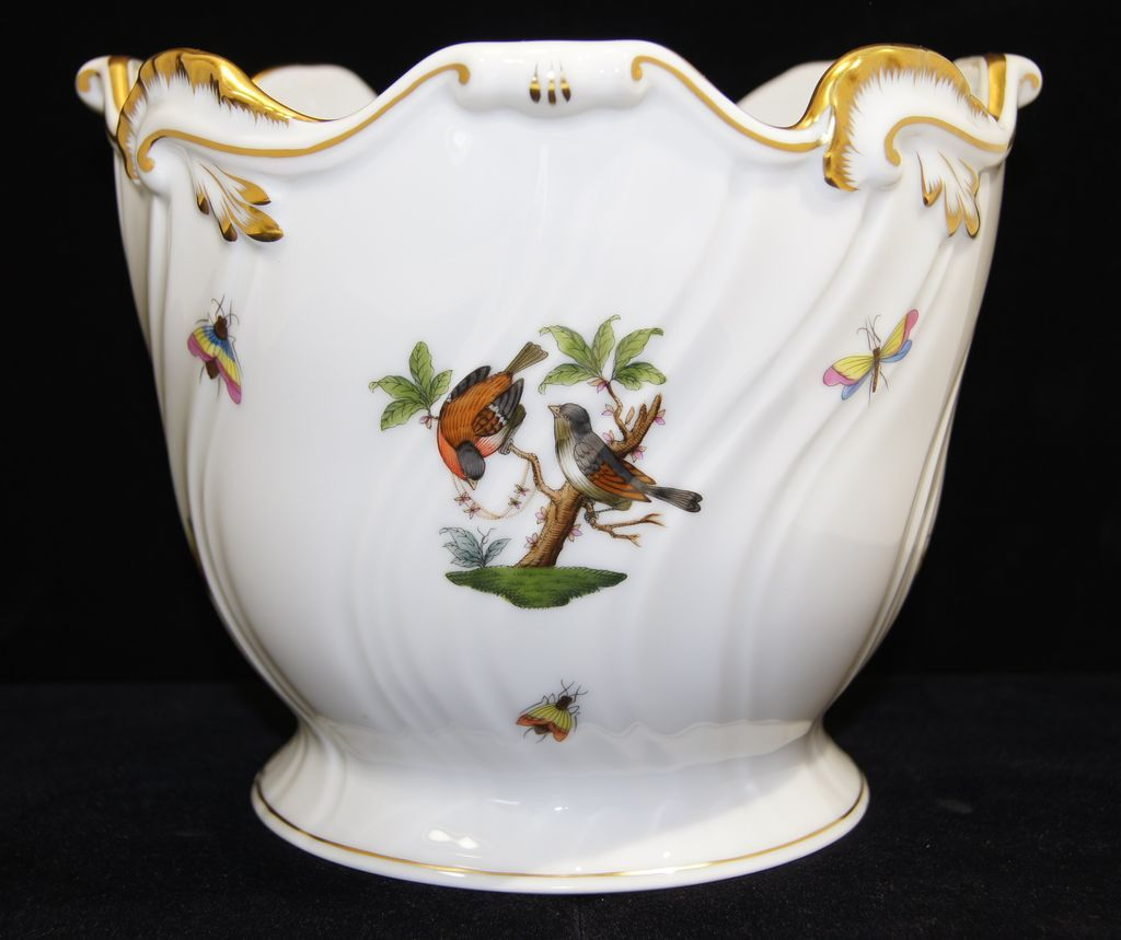 herend porcelain hand painted birds aesthetic design cache. Black Bedroom Furniture Sets. Home Design Ideas