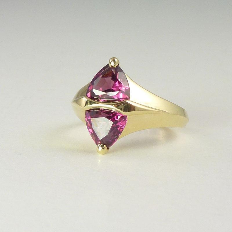 Vintage 3.0cttw Rhodolite Garnet & 18kt Gold Ring