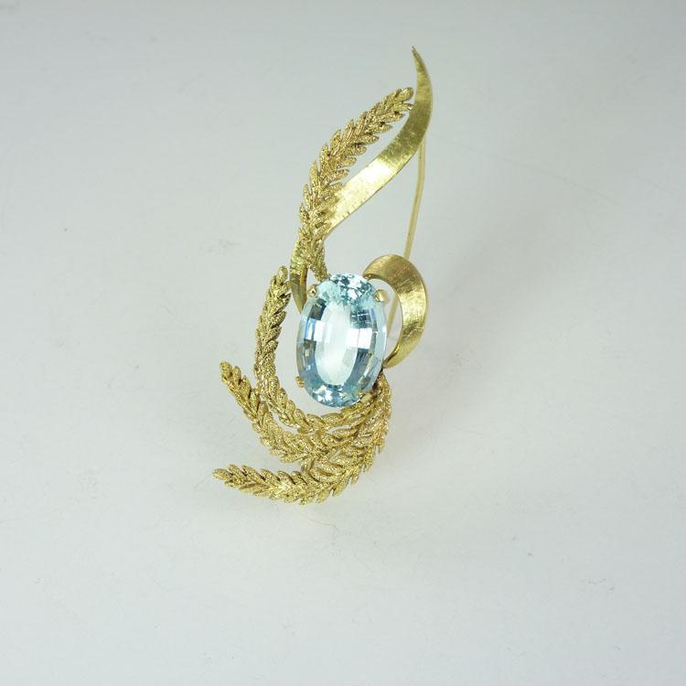 Glamorous Mid-Century Retro 11.7ct Aquamarine & 18kt Gold Brooch