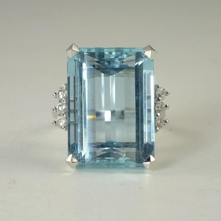 Stunning 1950s 23.0ct Aquamarine Diamond & 18kt Gold Cocktail Ring