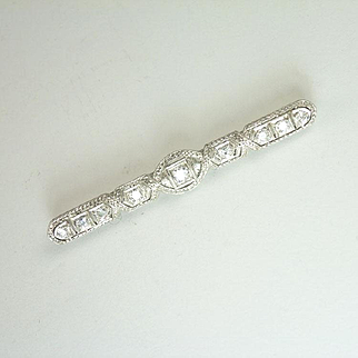 Classic 1920s 0.34cttw Diamond & Platinum Bar Pin